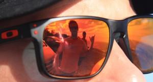 Robert ser lengtende utover mot bølgeskvulpet på Teahupoo, men alt han ser er en trønder som gjør seg til